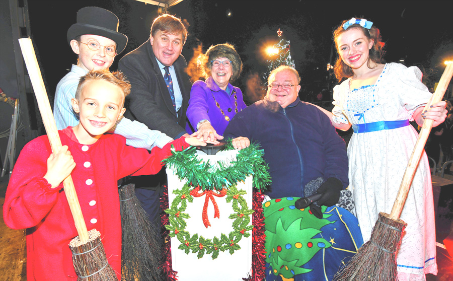 From Neverland to Tadley for panto stars