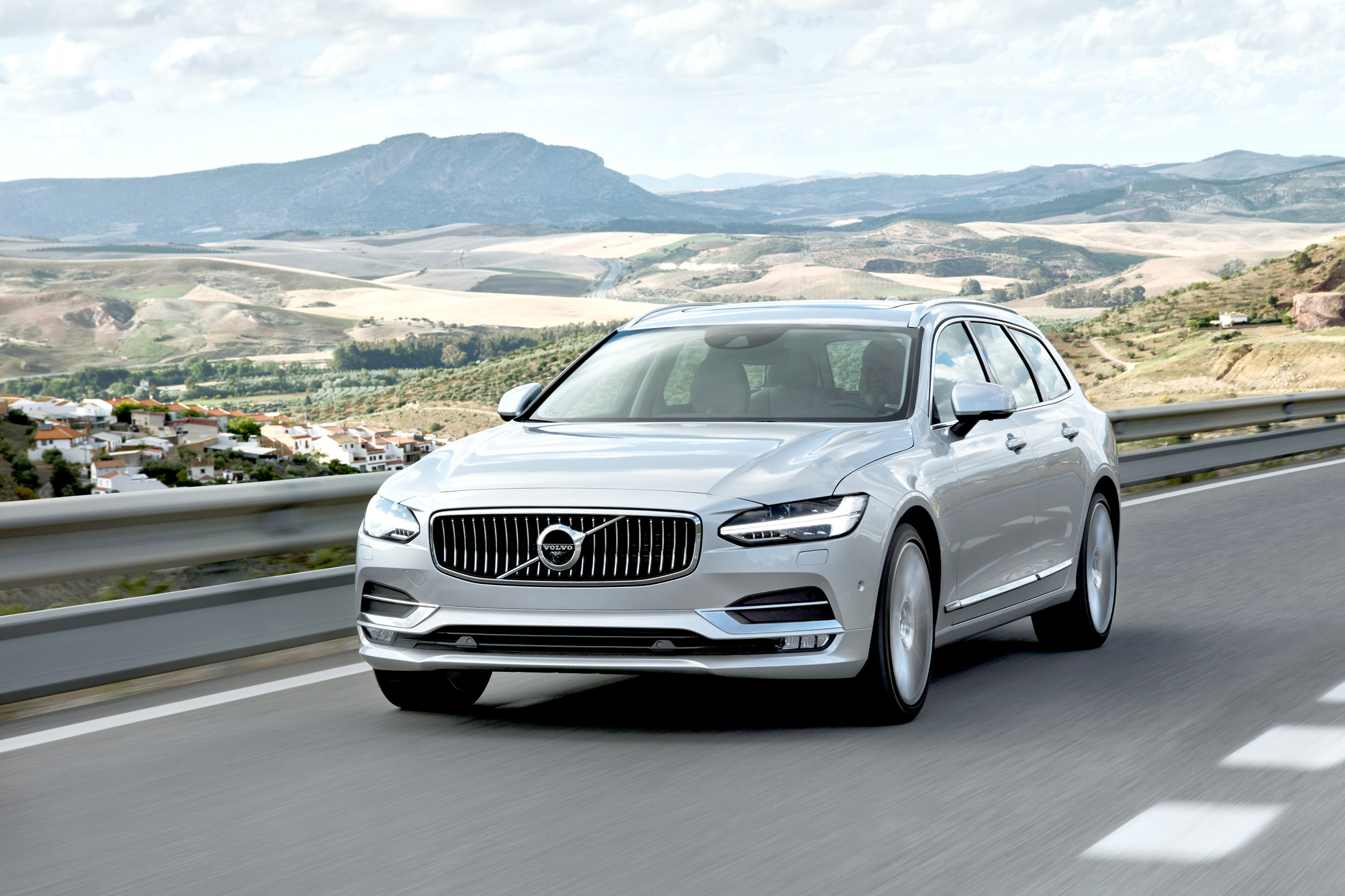 Volvo V90 T4 Momentum Pro – Probably the best car you will ever